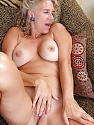 Horny and also refined 54 yr old Sabrina P fall away her azure dress