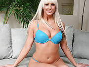 Delectable blonde Anilos stuffs her pussy with the vibrating rabbit toy
