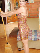 39 year old housewife Xena takes a rest from her chores in order to pose