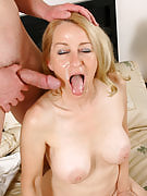 Robin impales herself on the thick young tool