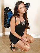 Angelic MILF Stephanie fast concerts away this girl tight rear for you