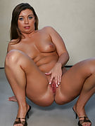 Tight bodied 33 12 months past times removes the lady bikini and also spreads the lady thighs