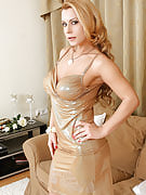 34 spring familiar mature model Dorothy Black getting nude and spreads
