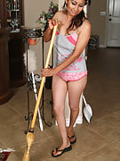 Mexican MILF Jesse has the great time period together with her broom as part of below