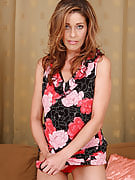 Popular MILF Linda Cain undresses and also shows away her sleek body