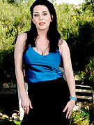 Stunning RayVeness spreads the lady 38 year old pussy spacious as part of the backyard