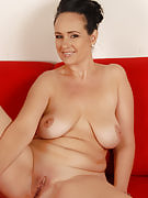 Brunette MILF Ria black colored pulls her hot shaven mature pussy wide