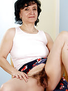 Hot grandma showing off this girl 52 yr old hairy pussy in here