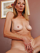 56 year old housewife Pam after 30 plus Ladies concerts off this girl fast body